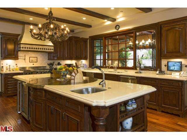Sofia Vergara Buys Ornate Beverly Hills Villa Zillow