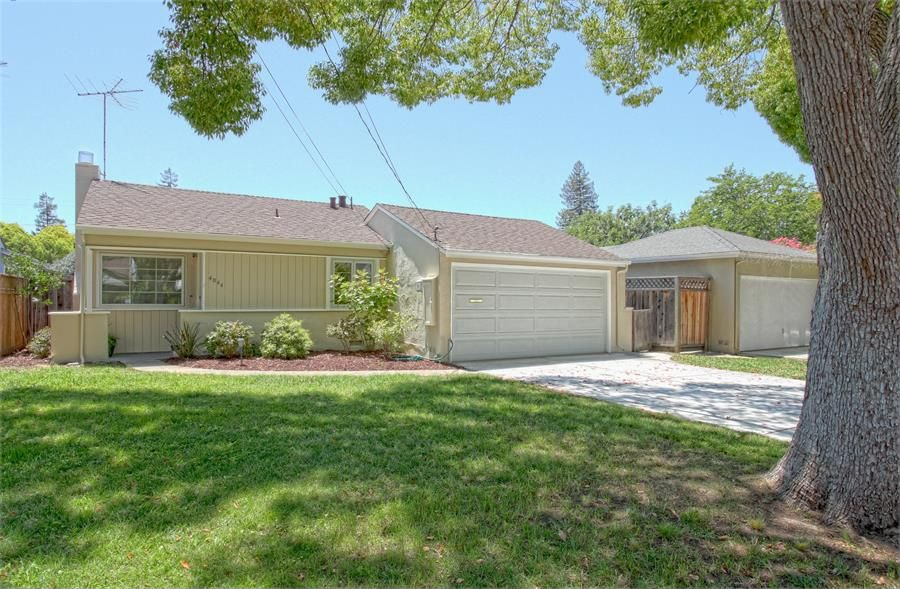 In Palo Alto, $950,000 gets you a 1,000-square-foot, 3-bed, 1-bath home.