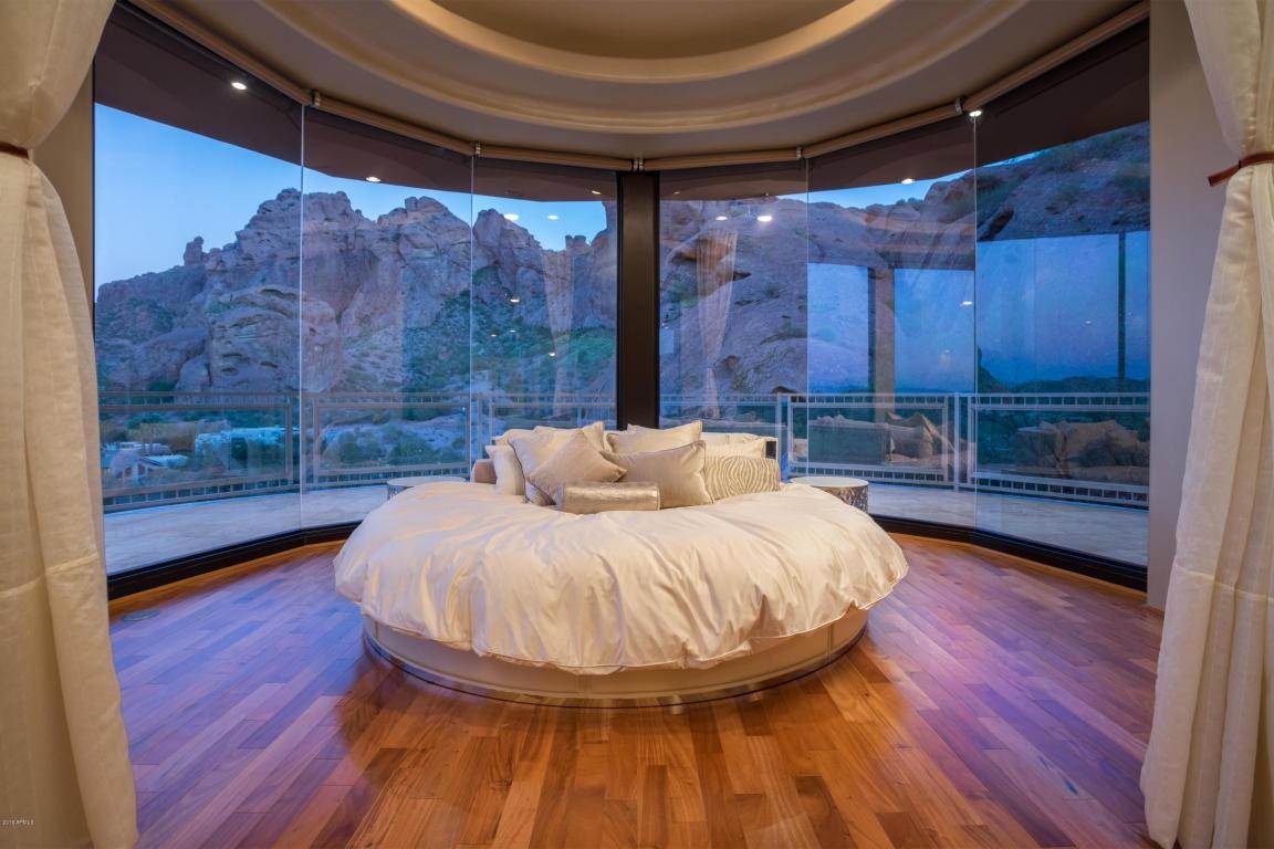 alicia-keys-bedroom