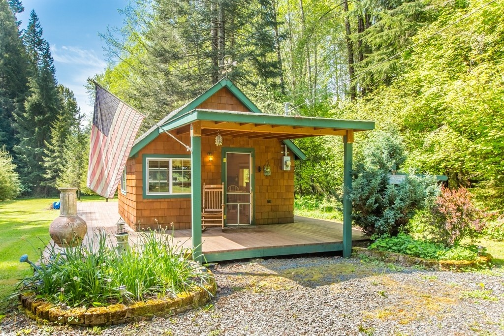 Tiny Homes Under 400 Square Feet Zillow Porchlight
