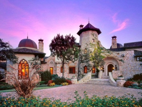 Live like royalty in these castle homes zillow porchlight Castle home