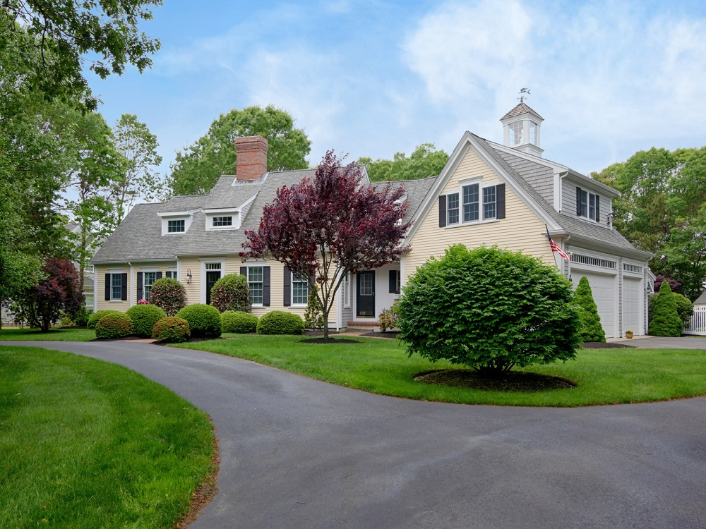House Of The Week A Modern Day Cape Cod On The Namesake