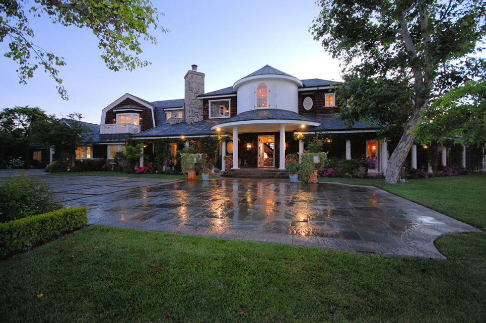 Simpson bought the Osbournes' home this year.