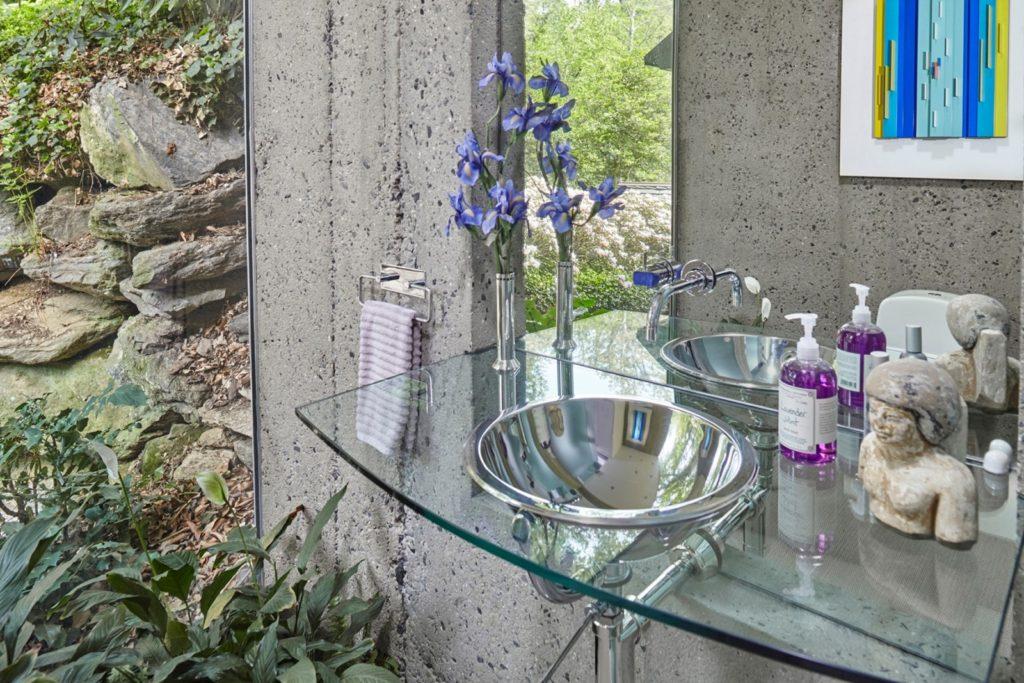 Fernside Cottage bathroom