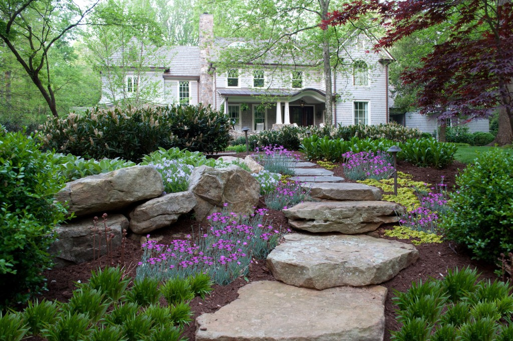 Up your home s curb appeal with front yard landscaping - Attractive zillow home design ...