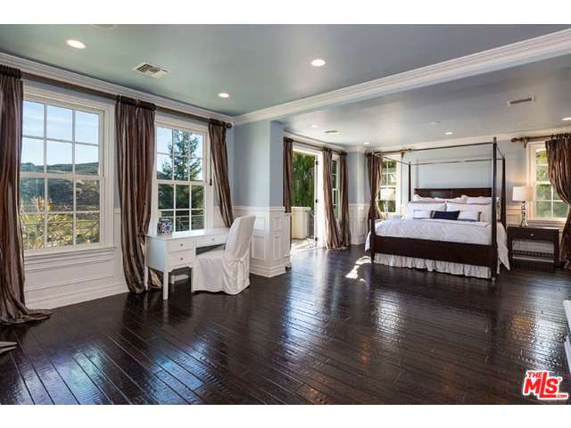 Gary Sinise Lists La Mansion For 3 895m Zillow Porchlight