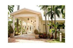 Gloria Estefan's guest house