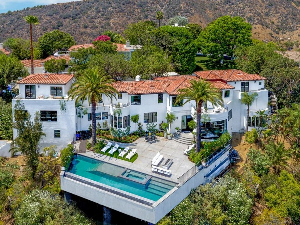11 Celebrity Homes For Sale - ELLE Decor