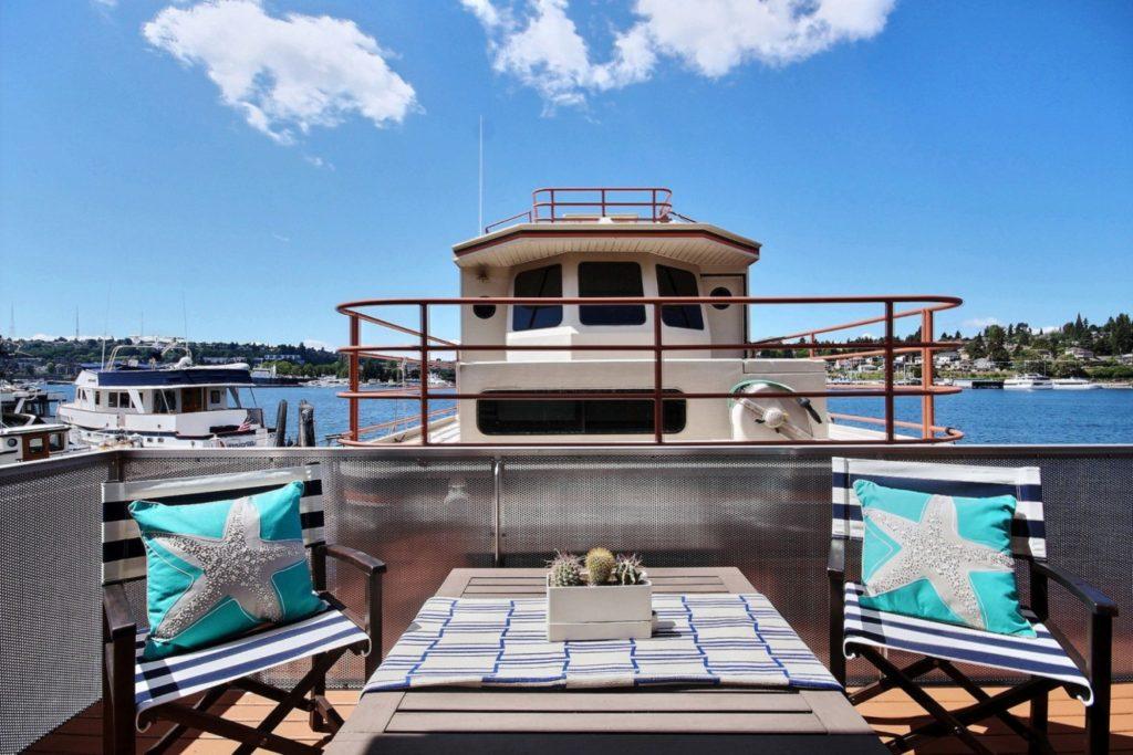 Houseboat14