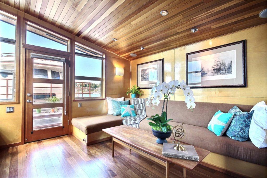 Houseboat15