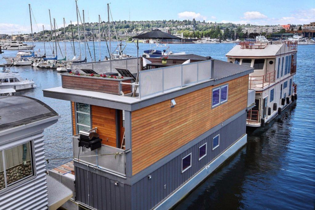 Houseboat3