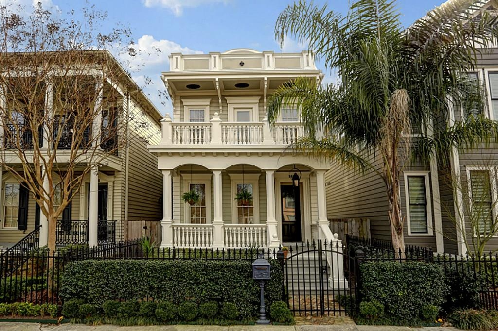 Mardis gras never ends in these 10 french colonial homes for Colonial style homes for sale