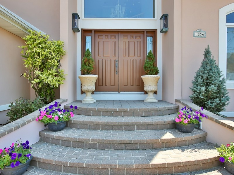 Sellers, Maximize Your Curb Appeal