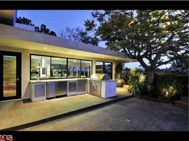 The Beverly Hills House That Jen Rented Hits Market At