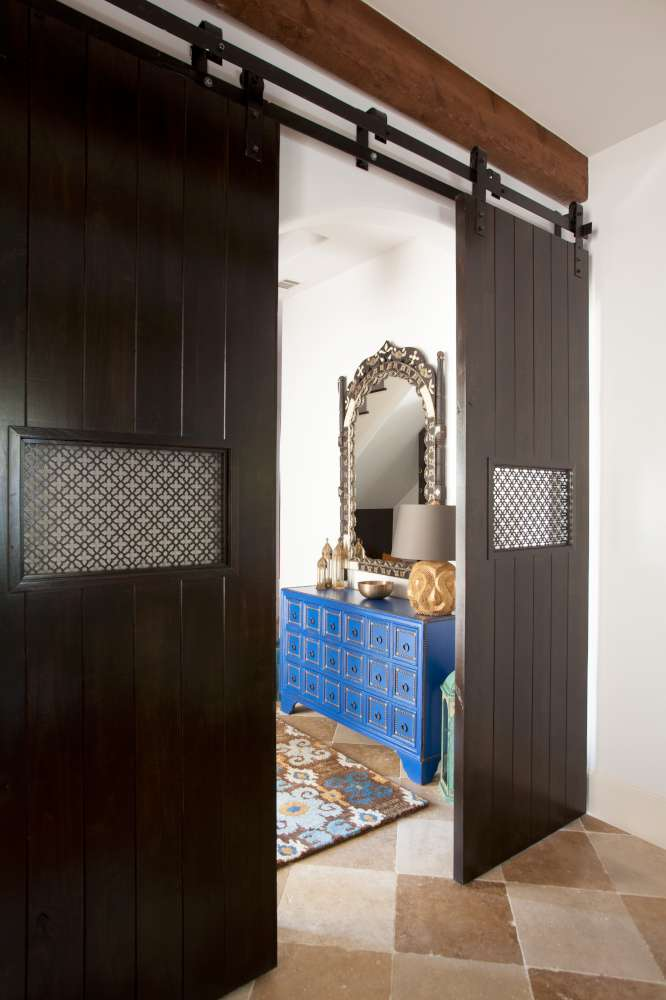 A texas town house goes moroccan zillow porchlight for Laura u interior design