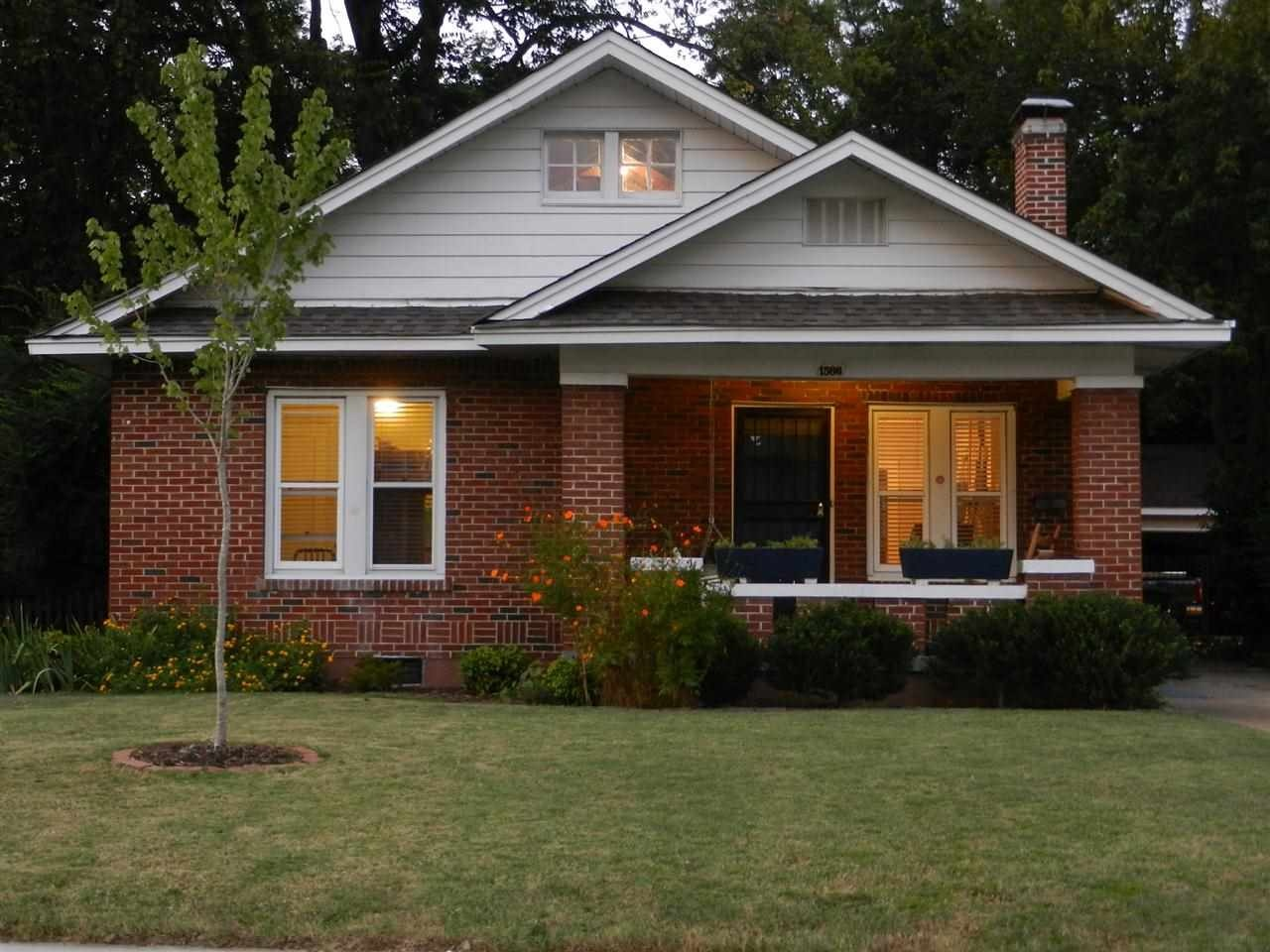 Homes On The Market For 200 000 Zillow Porchlight