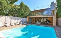 Pamela Anderson's pool