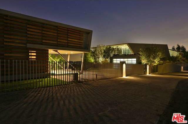 Pharrell Buys Modern Digs Overlooking LA - Zillow Porchlight