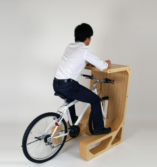 The PIT IN doubles as a bike stand and a desk. Source: storemuu.com/pitin3.html