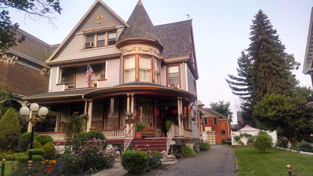Home architecture 101 victorian zillow porchlight for Victoria home builders