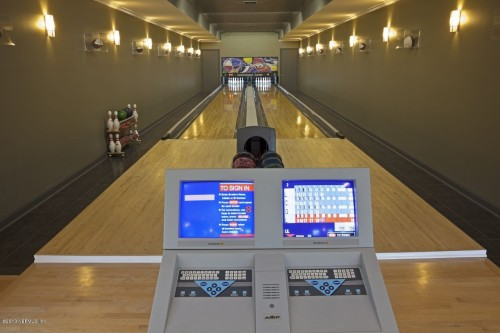 Saint Johns FL bowling alley