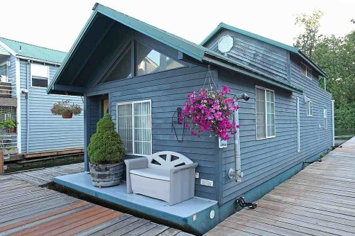 Houseboats archives tyler freed for Floating homes portland