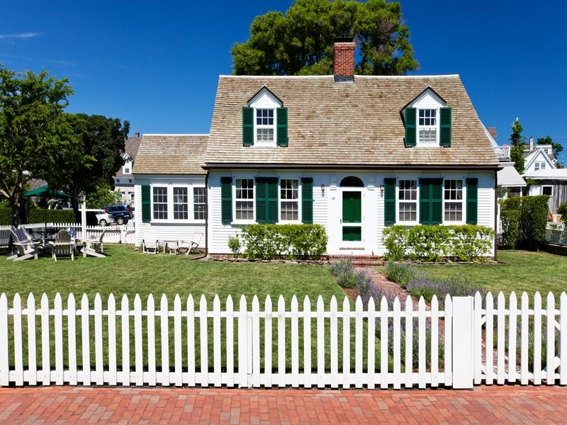 Home architecture 101 cape cod for Cape cod architects