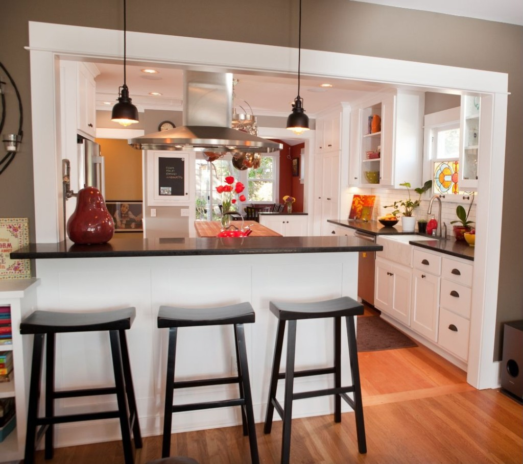 2014 kitchen trend dramatic black counters zillow for Kitchen trends