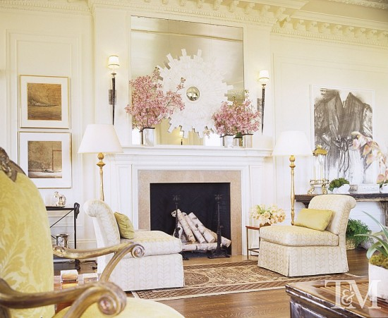 Designer Suzanne Tucker chose neutral finishes for this room.