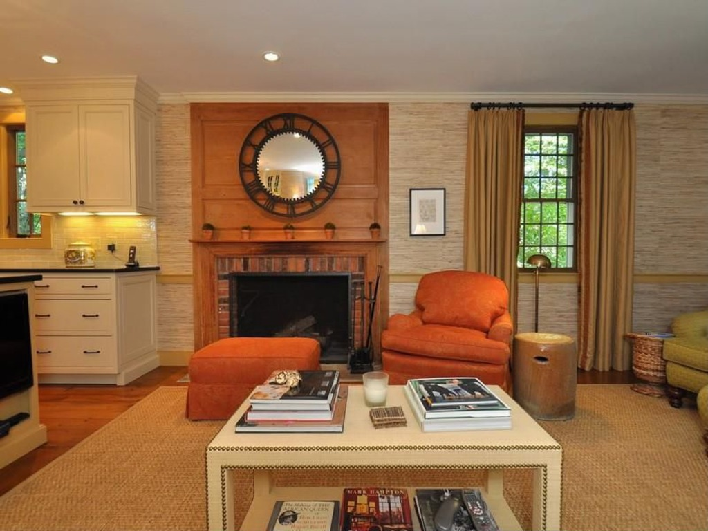 Dominick Dunne S Former Summer Home For Sale Again In Connecticut Zillow Porchlight