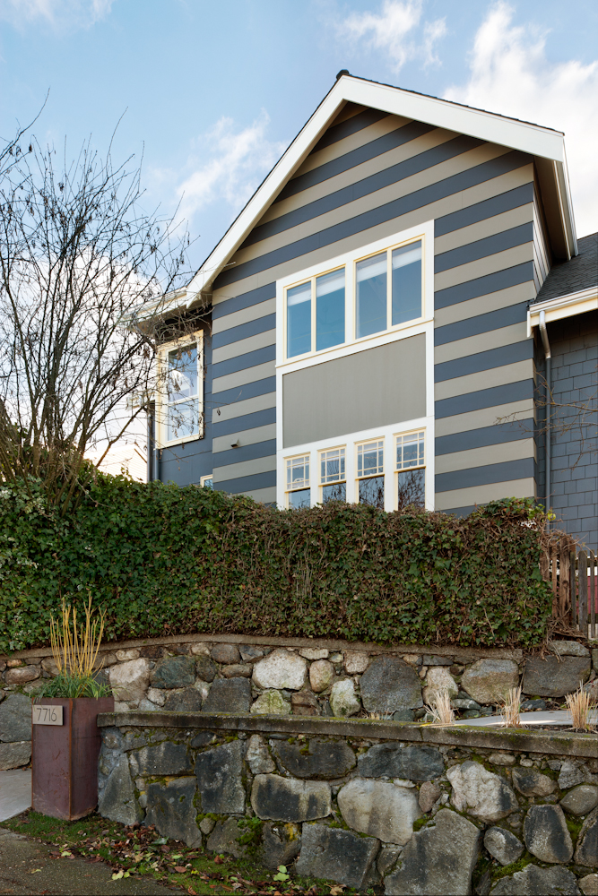 Stripes on the exterior? Why not? Design by Mindy Lehrman Cameron