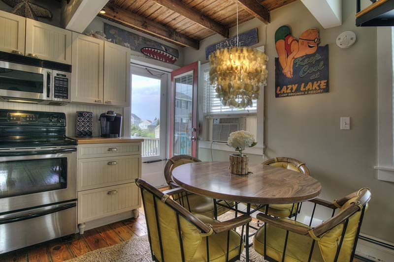 eclectic-dining-room-with-garden-gate-i_g-ISdg96s7jxvm351000000000-GRQmC