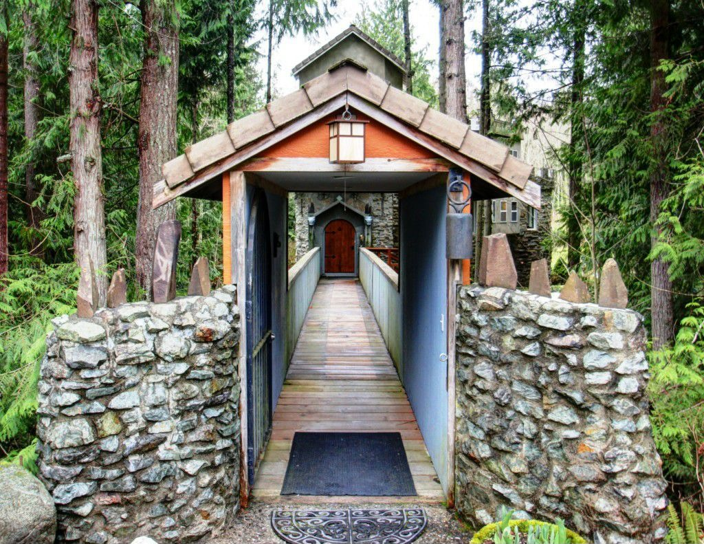 House Of The Week Pacific Northwest Castle In The Woods