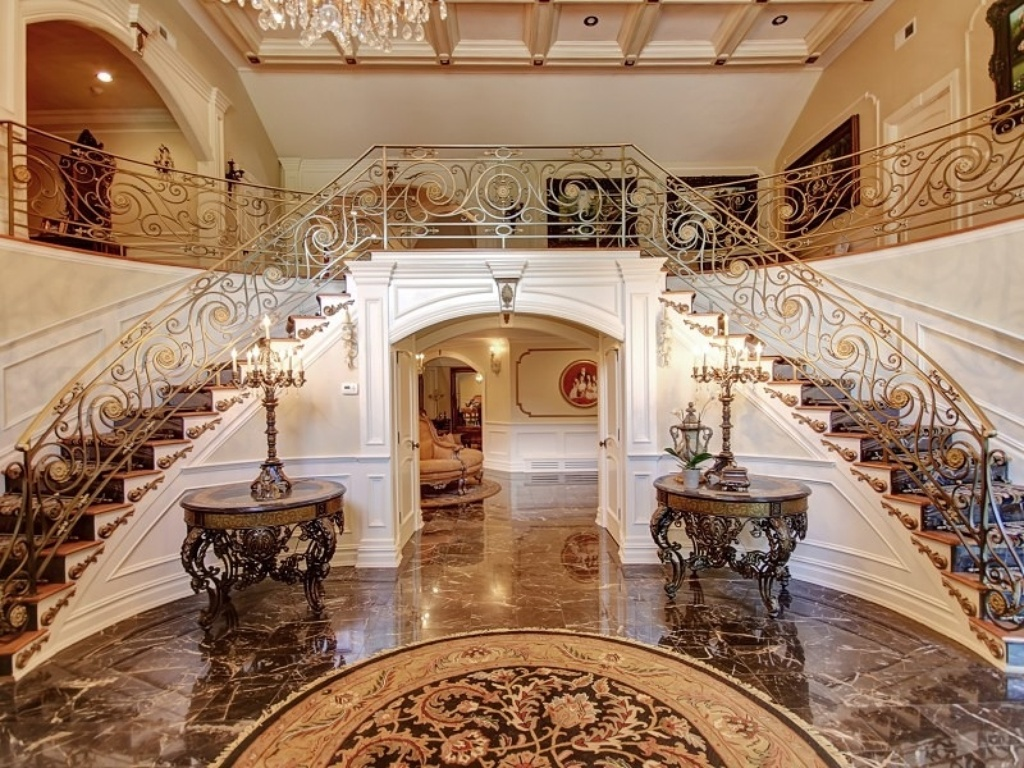 Update incarcerated teresa giudice drops price on nj for Mansion foyer designs