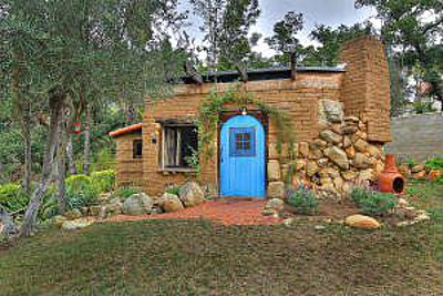 House of the week hobbit sized home built by hand for Tiny house zillow