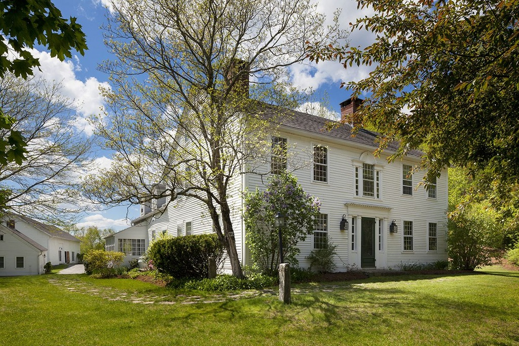renee zellweger selling connecticut country home zillow
