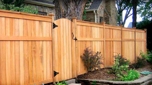 Wood Or Chain Link Picking The Right Fence For Your Home