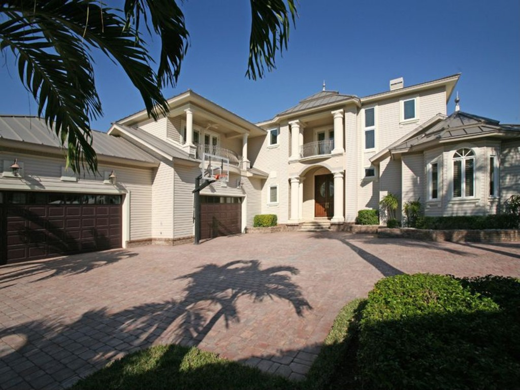 Former Nba Great Larry Bird Selling Naples Home For 4 8