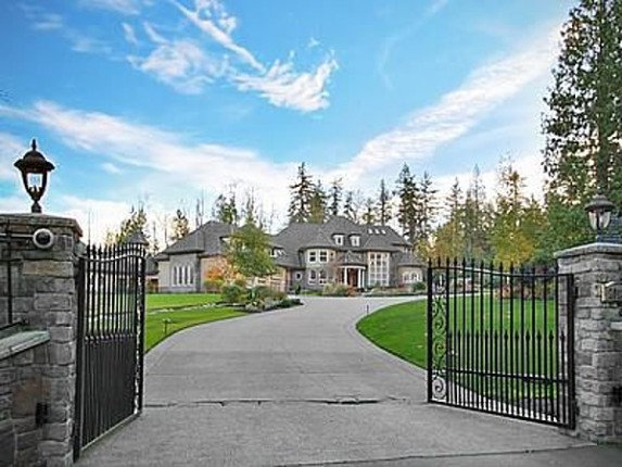 photo: house/residence of talented 2.5 million earning Seattle, USA-resident