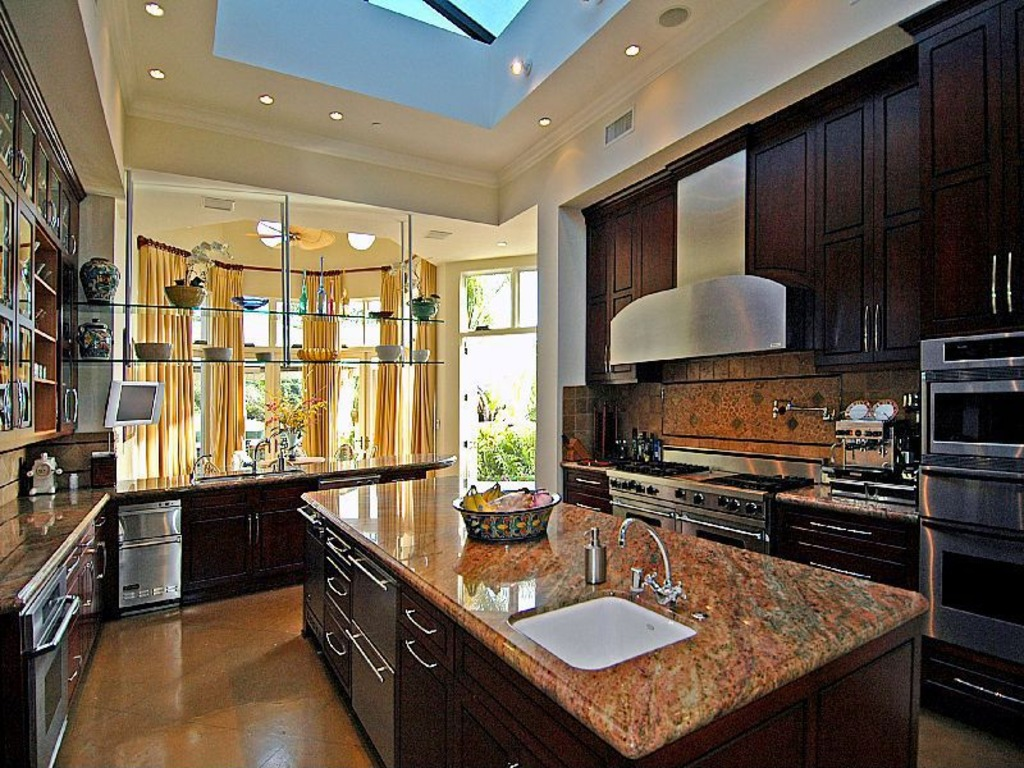 Update Chris Bosh Lists Pacific Palisades Home For 14 5
