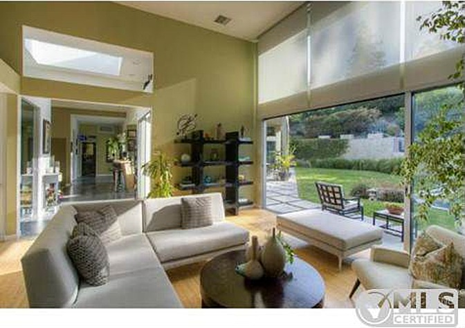 Akon S Modern From Drab To Ethereal Zillow Porchlight