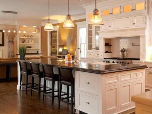 Zillow Digs Spring Trend Report: Traditional Kitchens, Islands