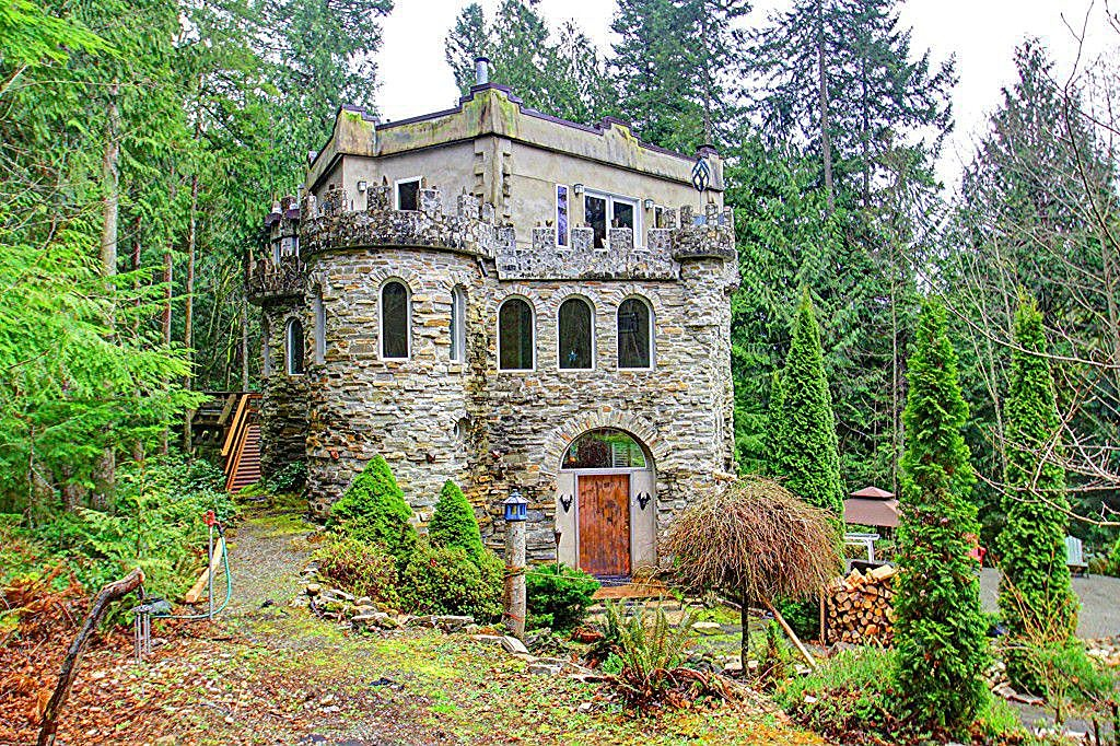 These homes could be your castle zillow porchlight for Home plans washington state