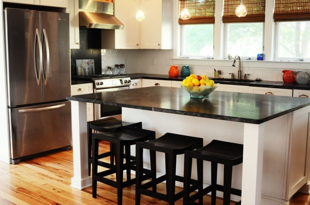 2014 Kitchen Trend Dramatic Black Counters Zillow Porchlight