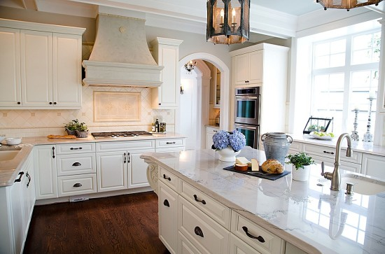 An all-white kitchen is a classic look.