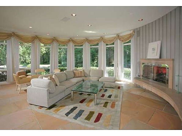 Fan of whitney houston buys her 39 80s mansion zillow for Jersey house music
